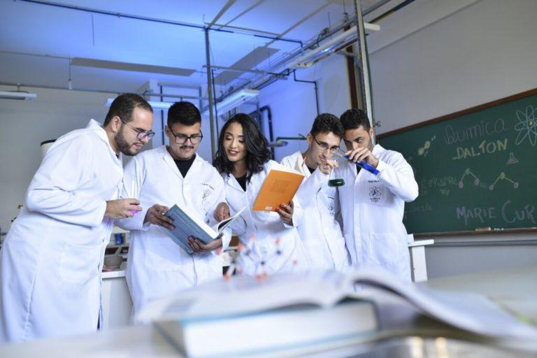 Pharmazie studieren im Ausland