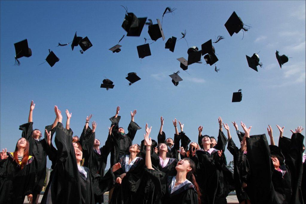 Studenten-erfolgreich-studieren-medizin